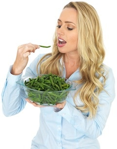 woman-bowl-green-beans